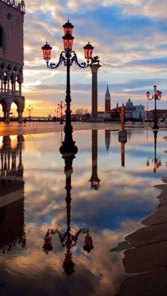 Reflection da Piazza San Marco, Venezia