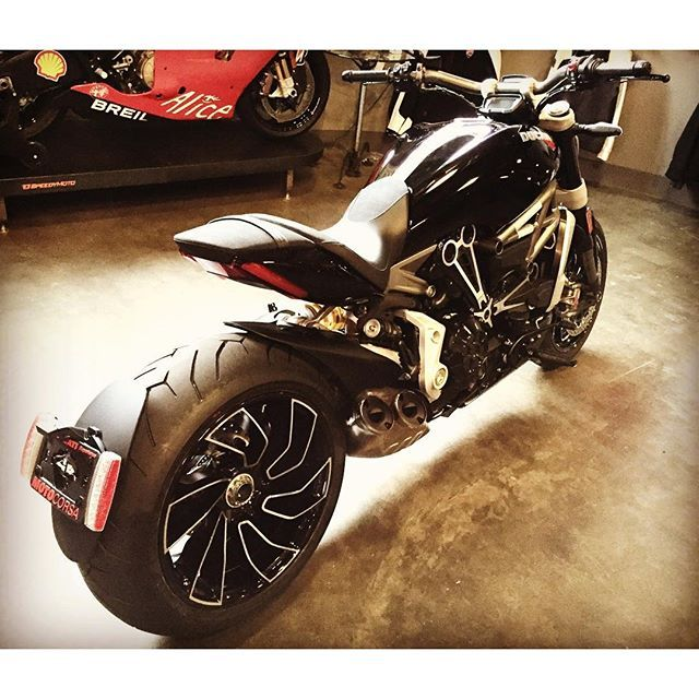 . Xdiavel... what a beast... . 030416 #lunchbreak . #xdiavel #ducati #motorcycle #yolo #motocorsa #midlifecrisis #lifeisshort #ridingseason2016 #pnw #xdiavels #daily #dailylife #dailypost #dailyphoto #dailyscrap #dailycapture #PDX #pdxlife #portland #portlandlife #oregon #oregonlife #포틀랜드 #오레곤 #일상 #postingdailymemory @perrin_alta_ceo you need one for your collection... replace your vrod... ;)