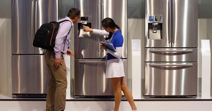 Problemas de la nevera Samsung RS21. La Samsung RS21 es una nevera congelador de doble puerta. Gracias a su acabado de metal y líneas compactas, ha permanecido como un constante favorito. Sin embargo, los compradores han notado una serie de problemas. Estos han aparecido en periódicos, en foros de internet y en televisión. Si tienes algún problema con la nevera Samsung RS21, usa a un ...