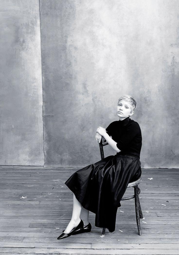 Tavi Gevinson in next year's Pirelli calendar features photographs of notable women by Annie Leibovitz.