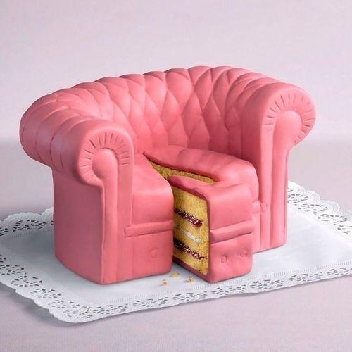 Que liiiindo! Um bolo em forma de sofá cor-de-rosa! *-*