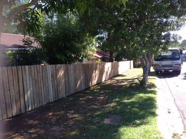 TIMBER FRONT FENCE