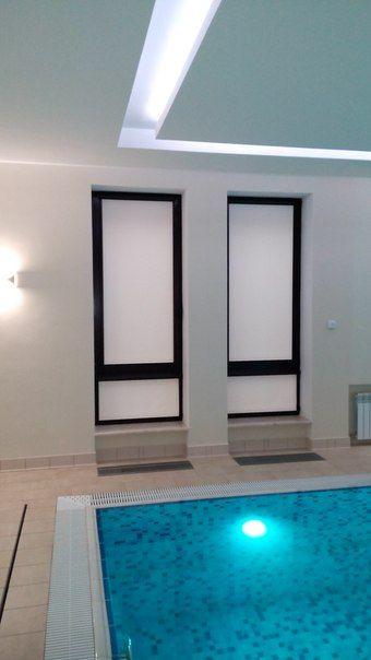 Рулонные шторы из тефлоновой ткани аква - для помещений с повышенной влажностью. Покраска комплектации в цвет оконного профиля.