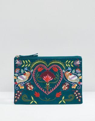 Bolso de satén con bordado en verde azulado de Glamorous