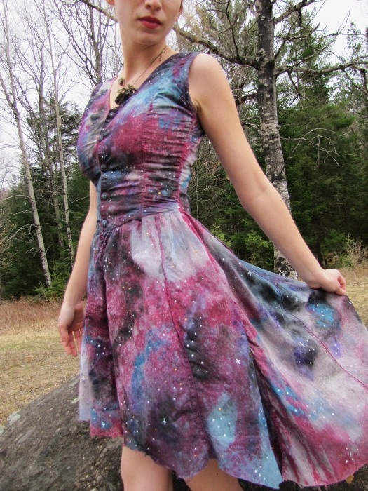 DIY Galaxy Dress . I'm gonna need someone much better at sewing and crafting than me to make me one please.