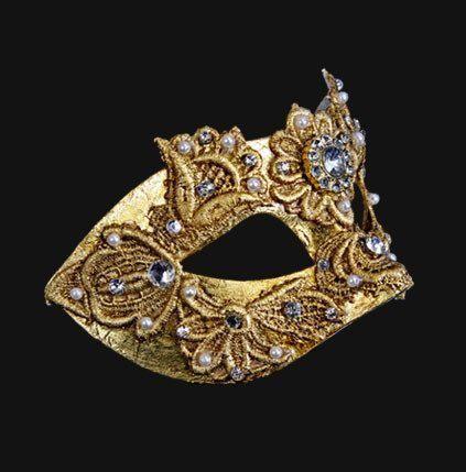 Colombina Macrame Gold Masquerade Mask. vivomasks.com