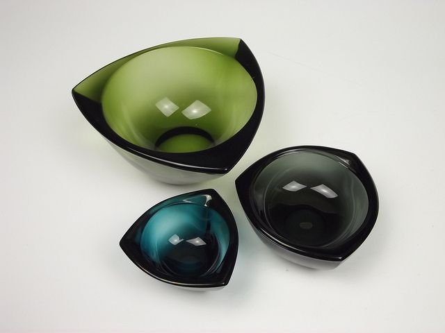 Nuutajärvi 'Häränsilmä' glass bowls. Designed by Kaj Franck, via Flickr.