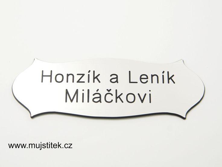 Rytí na dveřní štítek - font č. 1 http://www.mujstitek.cz/plastove-jmenovky/89-plastova-jmenovka-na-dvere-stribrna-typ-h.html