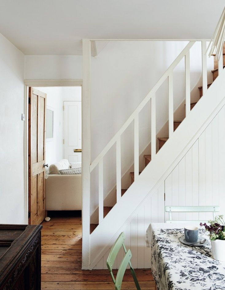 Sara Emslie's House in Beautifully Small, Photos by Rachel Whiting | Remodelista
