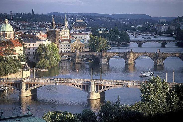 Die Moldau mit ihren Brücken