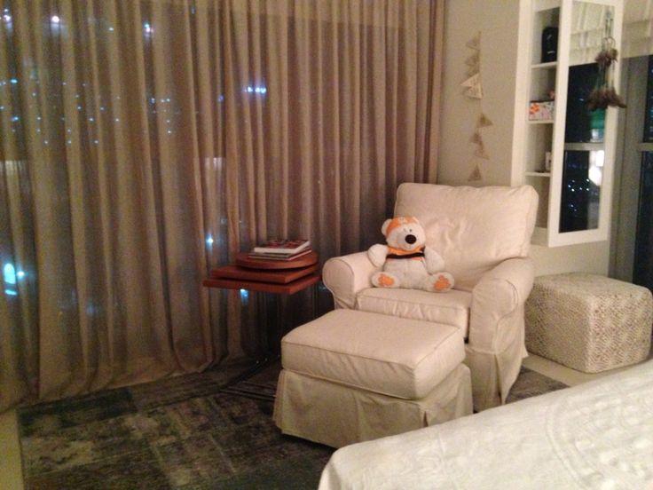 Dubai flat girl's room