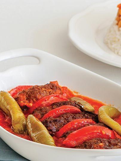 Domates soslu tereyağlı köfte