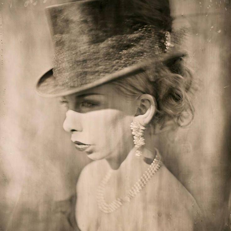 Weat plate photography of Janne Ebbesdatter Lavogez. Photographer Julie Loen.