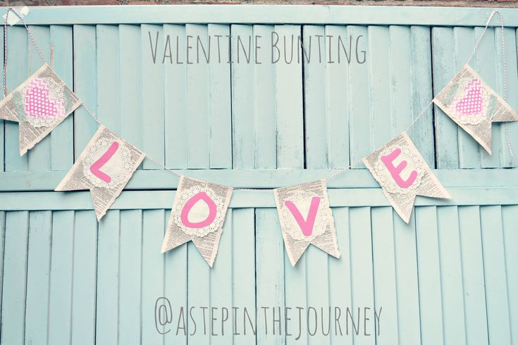 Valentine Bunting: Valentines Buntings, Books Pages, Valentines Ideas, Buntings Ideas, Valentine'S S, Valentines Decor, Artsy Crafty, Holidays Valentines, Things Valentines