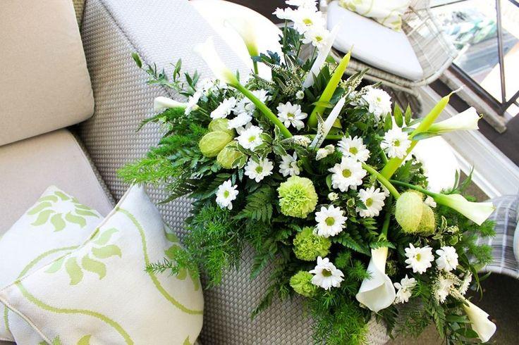 Wedding centrepiece with daisies • Centrotavola nuziale con margherite