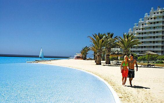The biggest swimming pool in the world in San Alfonso del Mar in the Chilean city Algarobo