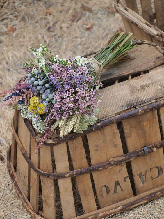 Ramo de novia silvestre -flor de cera, espiga de trigo, astilbe...-