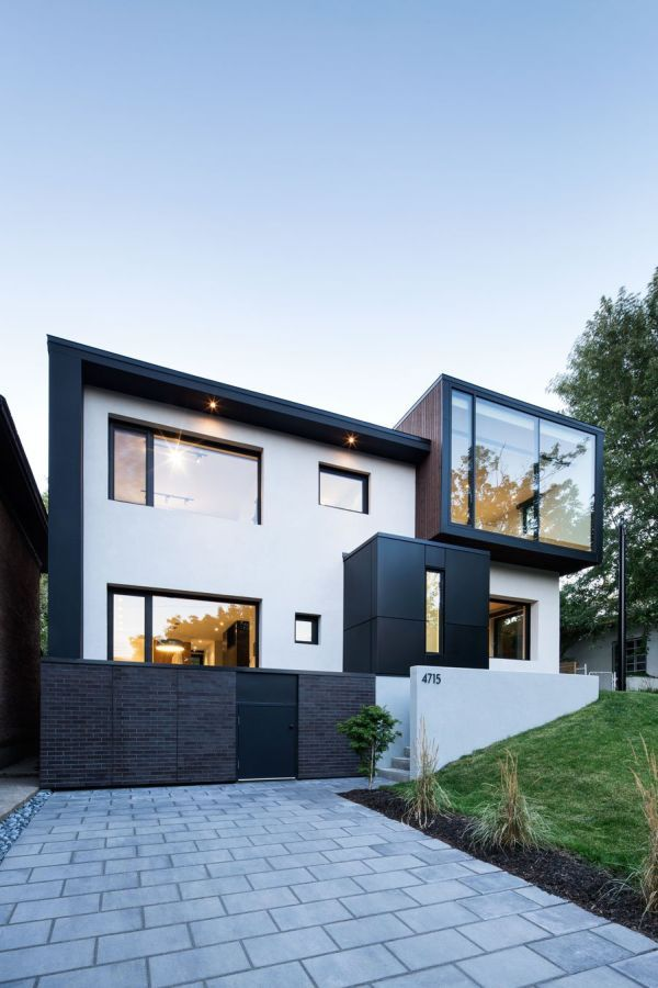 Complete Reconfiguration Of A 1950s Home In Montreal