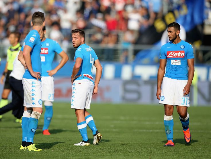 Players of Napoli show thier dejection during the Serie A match between Atalanta BC and SSC Napoli at Stadio Atleti Azzurri d'Italia on October 2, 2016 in Bergamo, Italy. #Giaccherini