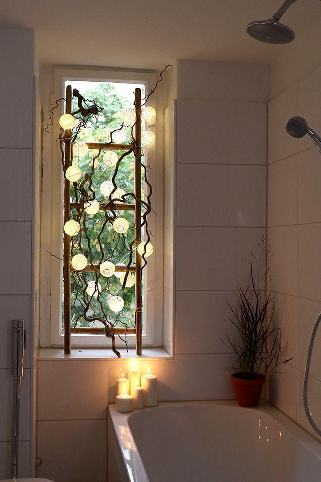 Gemutliches Licht Im Bad Und Ein Sichtschutz Vor Dem Fenster Kein Problem Mit Bad Dem Christmas Bathroom Decor Diy Bedroom Mirror Blinds