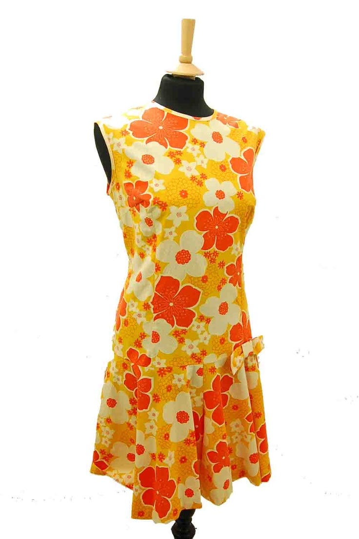 Love flower power daisy graffiti print cotton fabric 60s 70s retro - Orange Floral Vintage 1960s Mod Playsuit