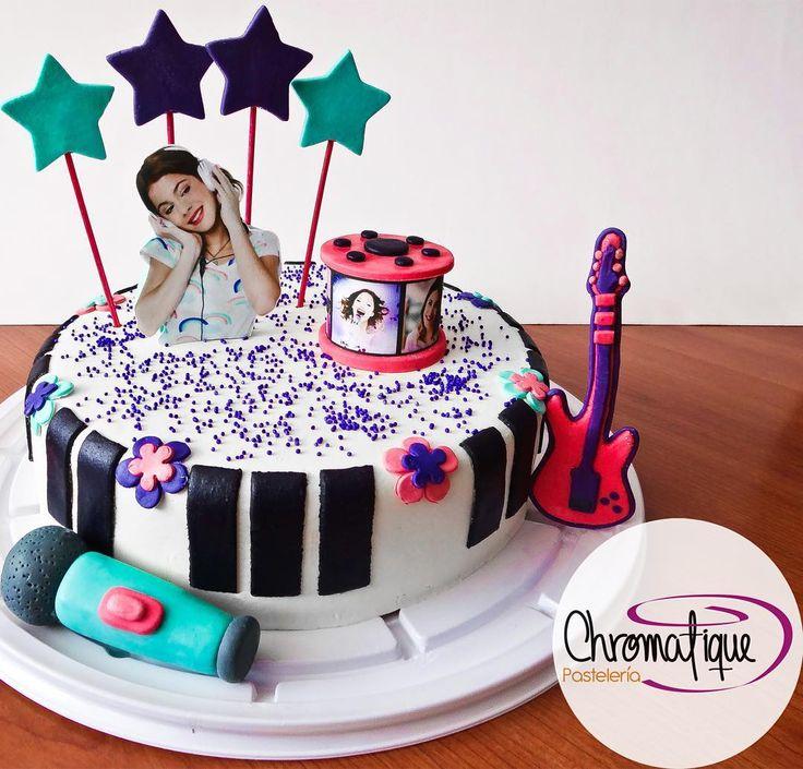 Violetta cake (Torta de Violetta) https://www.facebook.com/ChromatiquePasteleria/