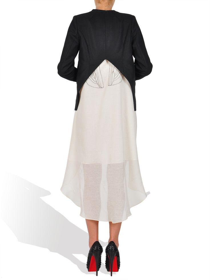 Corina Vladescu - cropped blazer  http://www.gabiurda.ro/sacoul-blazerul-manevra-vestimentara-de-toamna/
