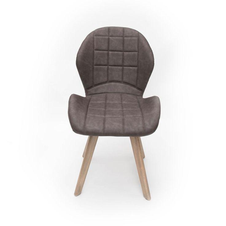 De trendy eetkamerstoel Fly van LABEL51 is een absolute musthave voor jouw interieur. De ronde vormen geven de stoel een speels effect en houten uitlopende poten zorgen juist voor een stoere look. Fly is perfect te combineren met veel verschillende…