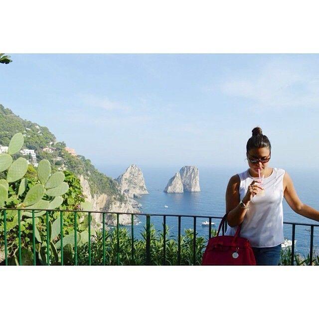 #capribag insieme ai faraglioni di Capri