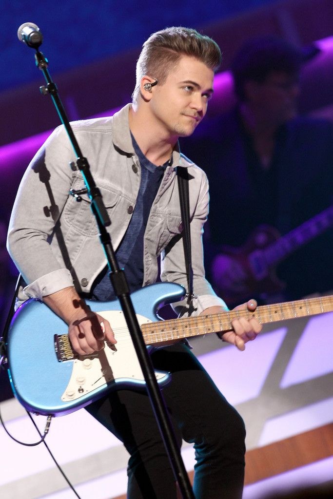 Hunter Hayes performs at 11th Annual ACM Honors 230817 #HunterHayes #11thAnnualACMHonors