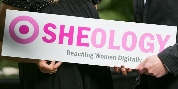 Sheology: Building a Successful Online Community