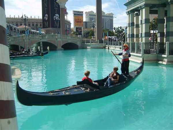 Las Vegas Must Do List http://www.travelmagma.com/usa/things-to-do-in-las-vegas/