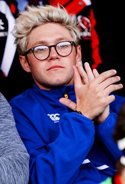 Niall so loving and kind to all.