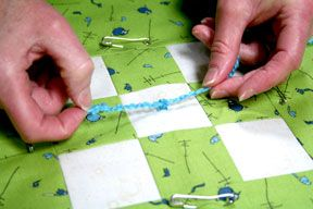 How to hand tie a quilt ~ for beginners (like me!).