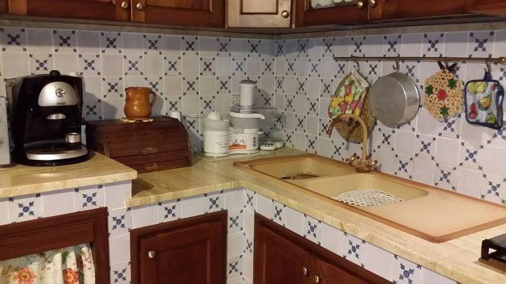 Cucine in Muratura con Maioliche Dipinte a Mano / Kitchens in Masonry with Majolica Painted Hand #tile #ceramicsofitaly #majolica