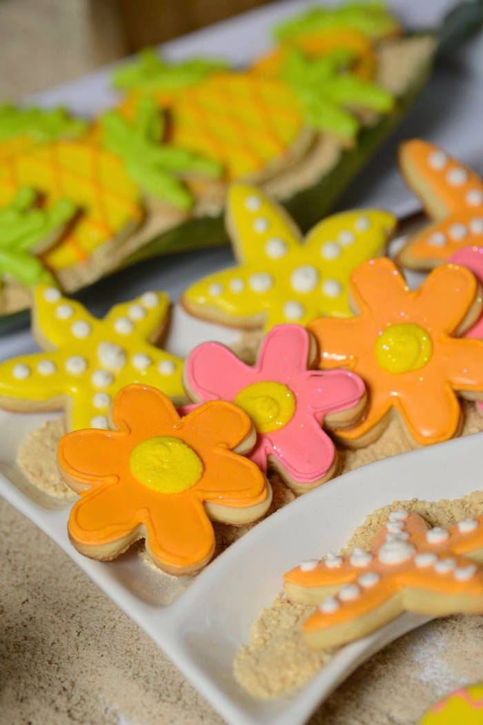 Hawaiian Luau themed birthday party via Kara's Party Ideas KarasPartyIdeas.com #hawaiianluauparty (38)