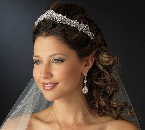 1000 Ideas About Wedding Hairstyles Veil On Pinterest: 1000+ Ideas About Wedding Tiara Veil On Pinterest