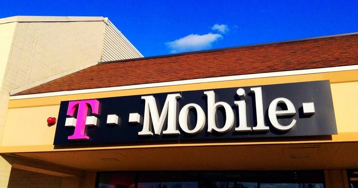 T-Mobile promoting BOGO line of service for those with a Family Plan  #Tmobile #BOGO #deal #Deals #Family #smartphone #smartphones #tablets #tablet #tech #technology #carrier