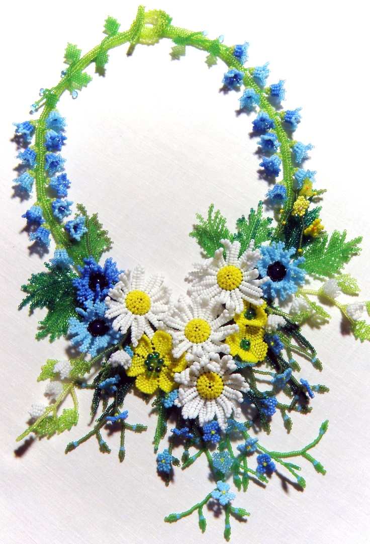 Beaded: Beads Flowers, Crochet Projects, Shabby Chic, Summertime Blues, Flowers Girls, Blue Beads, Flowers Necklaces, Beads Jewelry, Floral Necklaces