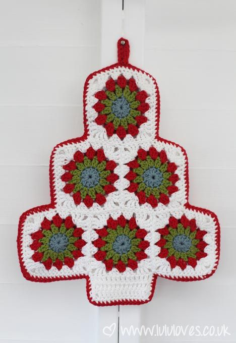 Crochet Christmas Potholder, free pattern by Lululoves