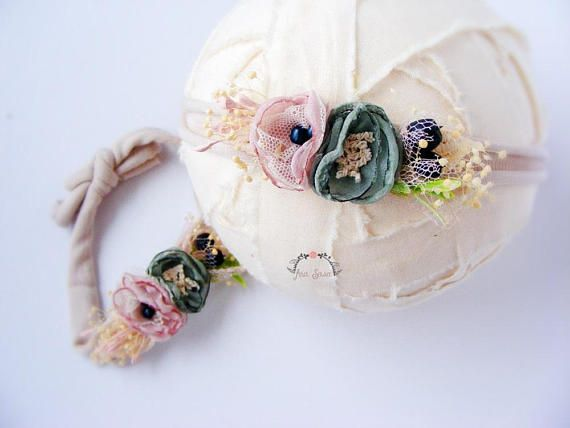 Check out this item in my Etsy shop https://www.etsy.com/listing/586303937/newborn-headband-prop-photography-prop