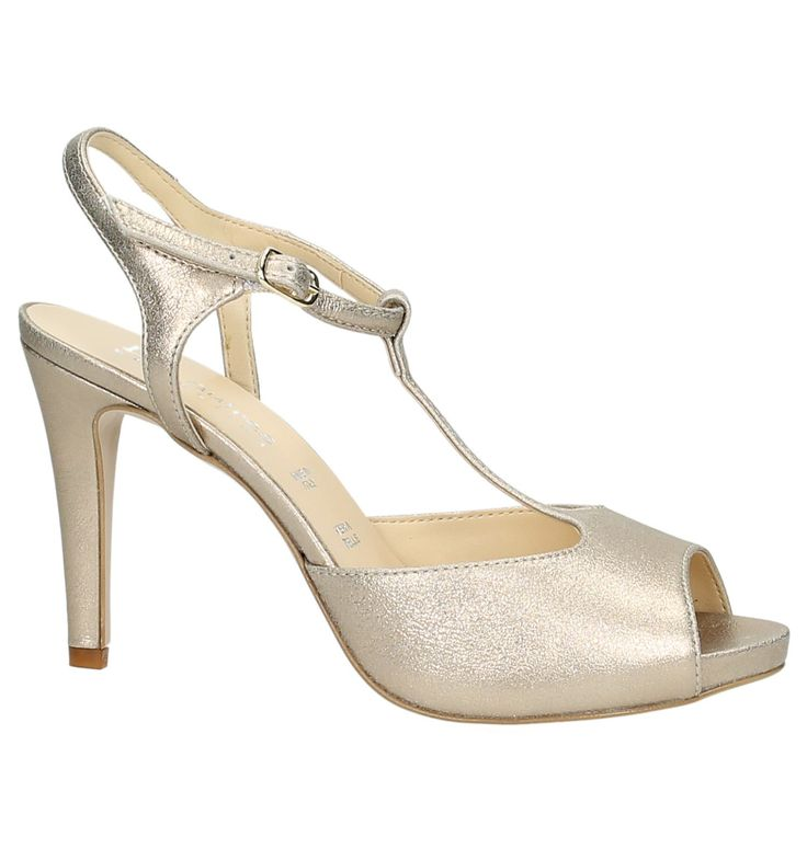 Het Italiaanse merk Les Autres brengt kleur in je schoenkast. De trendy schoenen met hoge hakken geven je een elegante look. De aparte materiaalkeuze, de eigentijdse designs en de verfijnde details, maken van Les Autres, damesschoenen met een extra touch. Wil je bij regenachtig zomerweer geen sandalen, kies dan eerder voorpumps.Zomer voorbij