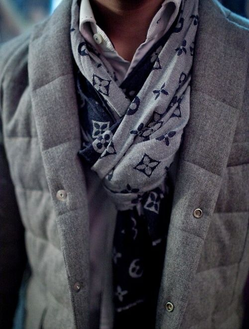 Scarfs (almost) always add style and color to any simple fall/winter look