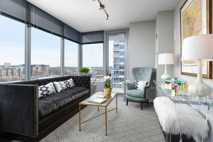 11 Chicago Dream Apartments To Rent Right Now #refinery29  http://www.refinery29.com/available-chicago-apartment-rentals#slide-11  You might think students in a college town aren't able to afford a luxury rental, but that isn't the case in Evanston. Already 50% leased in just three months, E2, downtown's first uber-luxury apartment project, comprises two apartment towers and 12 adjacent rental town homes offering spectacular city and lake views, the walkable and ...