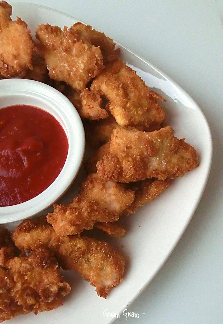 Bocconcini di pollo in panatura croccante di corn flakes | Ricetta