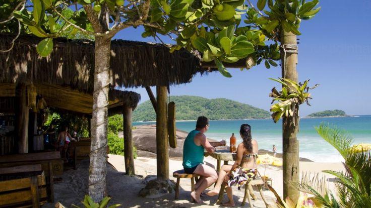Ubatuba oferece muitas atrações turísticas durante o dia em meio à natureza entre praias paradisíacas, ilhas, cachoeiras, trilhas na Mata Atlântica, o que faz da cidade ser um destino de turismo de aventura e ecoturismo, com muitas possibilidadespara a prática de esportes náuticos e radicais. Veja mais sobre onde se divertir em Ubatuba!