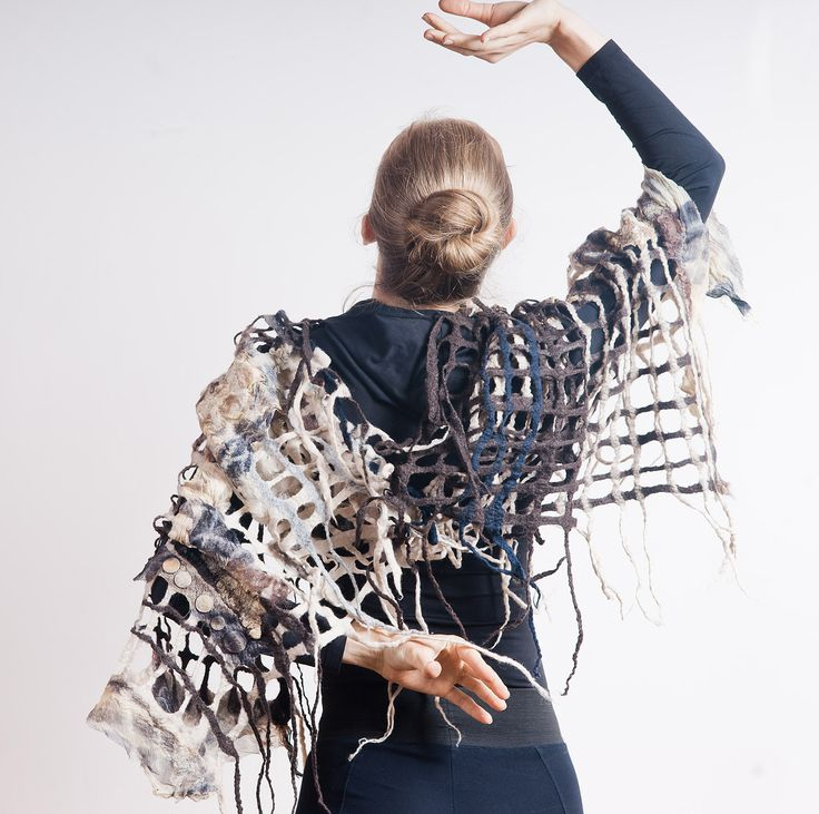 Woolen net by using wet felting: silk, wool and coins. Designer ErQ by Studio Culicante. Genuine hand made.