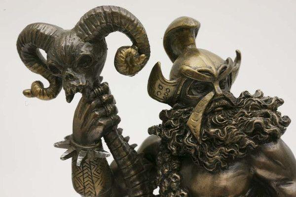 Hades,<br />god van de onderwereld bij Crystal Temptation in Venlo