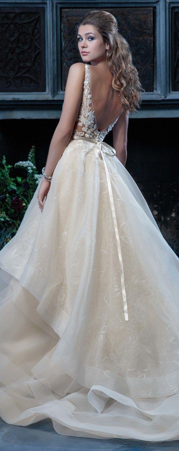45 best Hochzeit images on Pinterest | Graduation, Wedding dressses ...