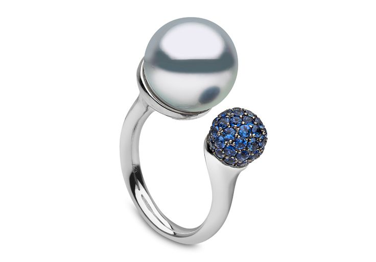 Yoko London 18kt white gold ring with a 12-13mm South Sea pearl and 1.03cts sapphires.
